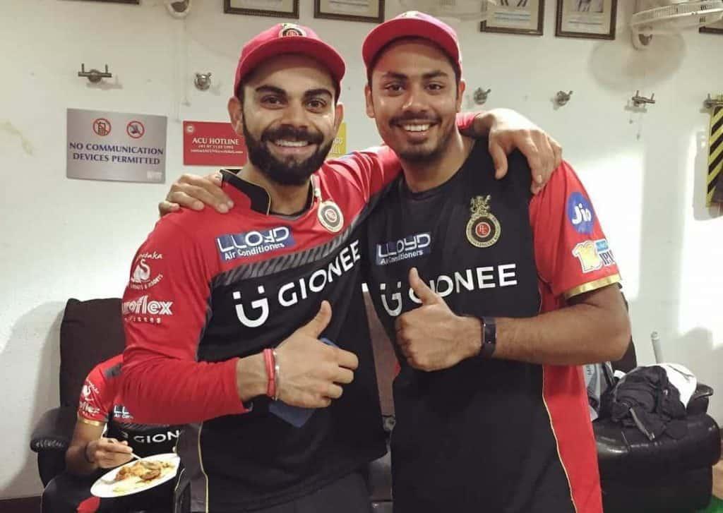 Avesh Khan with Virat Kohli